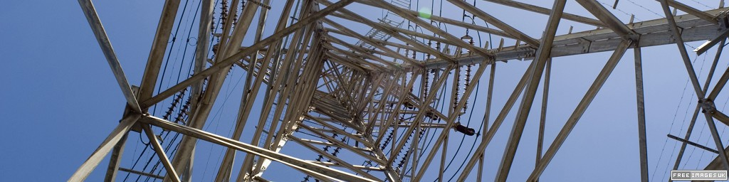 Pylon for power distribution grid